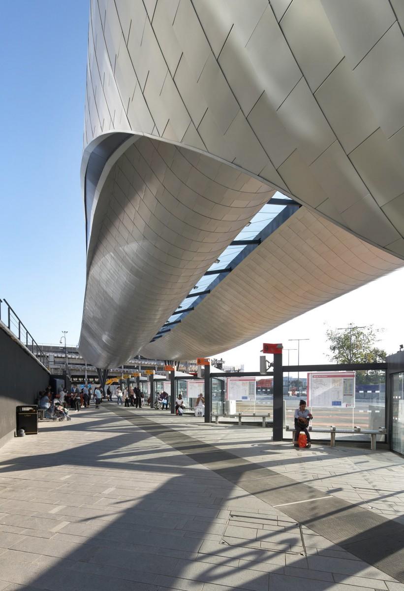 8129 slough bus station 06  Copyright Hufton + Crow