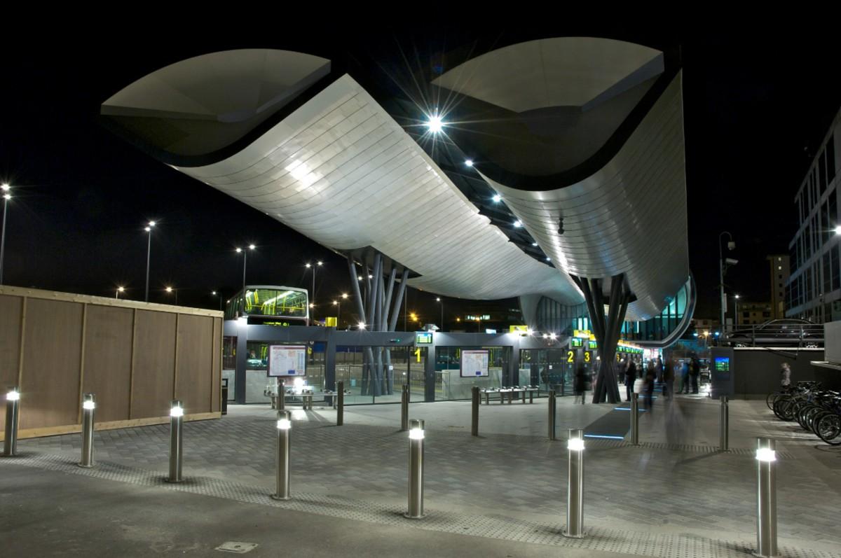 8129 slough bus station 09 – Copyright Richard Seymour